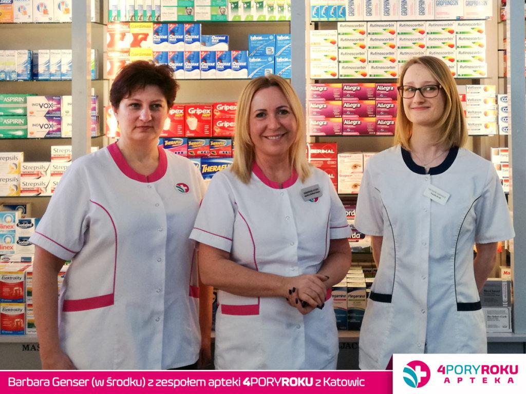 Dziś w zespole pani Basi Genser pracuje pięć osób. Na zdjęciu jest z paniami: Katarzyną Rządkowską i Natalią Kruk – technikami farmaceutycznymi.